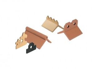 Roll top crested ridge tiles